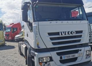 Cabeza tractora IVECO AS440S46TP, CUBE, automática con intarder, del año 2012, con 686.114km