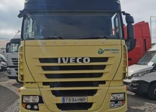 Cabeza tractora IVECO AS440S46TP, CUBE, automática con intarder, del año 2012, con 871.678km