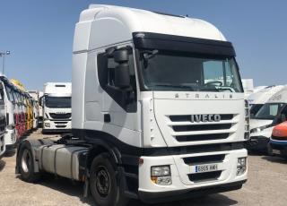 Cabeza tractora IVECO AS440S46TP, CUBE, automática con intarder, del año 2012, con 936.855km