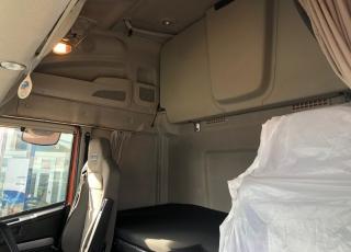 Cabeza tractora IVECO AS440S46TP,  Hi Way,  Euro6,  automática con intarder,  Del año 2015,  Con 396.022km. Neumáticos 385/55R22.5 y 315/70R22.5 Color naranja.  Precio 25.000€+IVA, con tractora reacondicionada y con 12 meses de garantía de cadena cinemática.