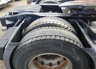 Cabeza tractora IVECO AS440S46TP,  Hi Way,  Euro6,  automática con intarder,  Del año 2015,  Con 379.765km. Neumáticos 385/55R22.5 y 315/70R22.5 Color naranja.  Precio 25.000€+IVA, con tractora reacondicionada y con 12 meses de garantía de cadena cinemática.