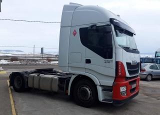 Cabeza tractora IVECO AS440S46TP,  Hi Way,  Euro6,  Automática con intarder,  Del año 2015,  Con 593.604km. Neumáticos 315/70R22.5  Precio 20.900€+IVA, con tractora reacondicionada y con 12 meses de garantía de cadena cinemática.