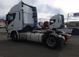 Cabeza tractora IVECO AS440S46TP,  Hi Way,  Euro6,  Automática con intarder,  Del año 2015,  Con 478.915km. Neumáticos 315/70R22.5  Precio 23.500€+IVA, con tractora reacondicionada y con 12 meses de garantía de cadena cinemática.
