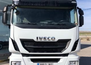 Cabeza tractora IVECO AS440S46TP,  Hi Way,  Euro6,  Automática con intarder,  Del año 2015,  Con 478.523km. Neumáticos 315/70R22.5  Precio 23.500€+IVA, con tractora reacondicionada y con 12 meses de garantía de cadena cinemática.