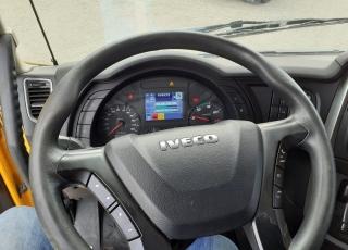 Cabeza tractora IVECO AS440S46TP,  Hi Way,  Euro6,  Automática con intarder,  Del año 2015,  Con 408.866km. Ruedas 315/80R22.5  Precio 23.500€+IVA, con tractora reacondicionada y con 12 meses de garantía de cadena cinemática.