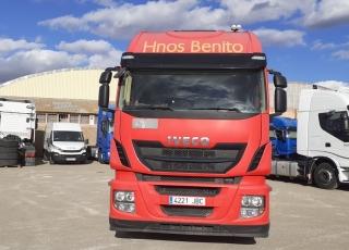 Cabeza tractora IVECO AS440S46TP, Hi Way, Euro6, automática con intarder, del año 2014, con 379.690km