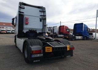 Cabeza tractora IVECO AS440S46TP,  Hi Way,  Euro6,  Automática con intarder,  Del año 2015,  Con 705.080km. Neumáticos 315/70R22.5 Carenados laterales. Equipo de frio nocturno.  Precio 15.000€+IVA, con tractora SIN  reacondicionar y SIN garantía.  Precio 17.500€+IVA, con tractora reacondicionada y SIN garantía.