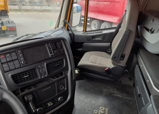 Cabeza tractora IVECO AS440S46TP,  Hi Way,  Euro6,  Automática con intarder,  Del año 2015,  Con 452.273km. Ruedas 315/80R22.5  Precio 23.500€+IVA, con tractora reacondicionada y con 12 meses de garantía de cadena cinemática.