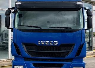 Cabeza tractora IVECO AS440S46TP,  Hi Way,  Euro6,  Automática con intarder,  Del año 2015,  Con 524.332km. Neumáticos 315/70R22.5 Equipo de frío nocturno.  Precio 25.000€+IVA, con tractora reacondicionada y con 12 meses de garantía de cadena cinemática.
