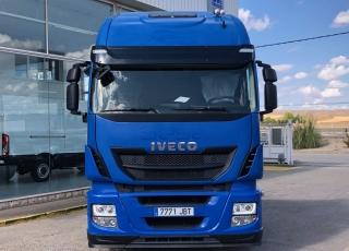 Cabeza tractora IVECO AS440S46TP,  Hi Way,  Euro6,  Automática con intarder,  Del año 2014,  Con 570.858km. Rueda 315/60R22.5  Precio 20.500€+IVA, con tractora reacondicionada y con 12 meses de garantía de cadena cinemática.