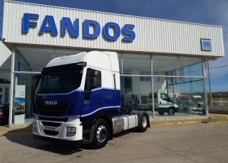 Cabeza tractora IVECO AS440S46TP,  Hi Way,  Euro6,  Automática con intarder,  Del año 2015,  Con 608.759km, Neumáticos 315/80R22.5, Con ADR  Precio 17.500€+IVA, SIN garantía.