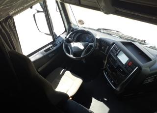 Cabeza tractora IVECO AS440S46TP,  Hi Way,  Euro6,  Automática con intarder,  Del año 2015,  Con 579.178km, Neumáticos 315/80R22.5, Con ADR  Precio 24.900€+IVA, con tractora reacondicionada y con 12 meses de garantía de cadena cinemática.