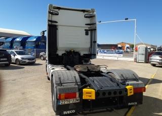 Cabeza tractora IVECO AS440S46TP,  Hi Way,  Euro6,  Automática con intarder,  Del año 2015,  Con 455.044km, Neumáticos 315/70R22.5, ADR.  Precio 25.900€+IVA, con tractora reacondicionada y con 12 meses de garantía de cadena cinemática.