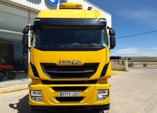 Cabeza tractora IVECO AS440S46TP,  Hi Way,  Euro6,  Automática con intarder,  Del año 2015,  Con 889.801km, Neumáticos 365/65R22.5 y 315/80R22.5,  Precio 13.500€+IVA  SIN garantía.