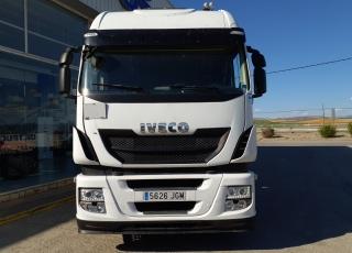Cabeza tractora IVECO AS440S46TP,  Hi Way,  Euro6,  Automática con intarder,  Del año 2015,  Con 562.124km. Neumáticos 315/70R22.5  Precio 24..900€+IVA, con tractora reacondicionada y con 12 meses de garantía de cadena cinemática.