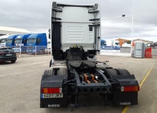 Cabeza tractora IVECO AS440S46TP,  Hi Way,  Euro6,  Automática con intarder,  Del año 2015,  Con 554.347km. Neumáticos 365/55R22.5 y 315/70R22.5  Precio 24.900€+IVA, con tractora reacondicionada y con 12 meses de garantía de cadena cinemática.