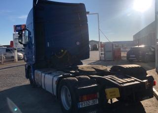 Cabeza tractora IVECO AS440S46TP,  Hi Way,  Euro6,  Automática con intarder,  Del año 2014,  Con 560.000km. Rueda 315/60R22.5 Con 12 meses de garantía de cadena cinemática.