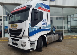 Tractor head IVECO AS440S46TP, Hi Way,  Euro6, Automatic with retarder,  year 2015, with 530.474km.