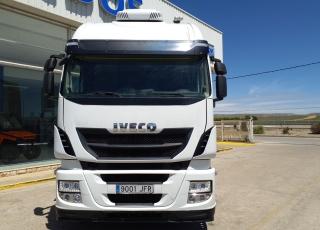 Cabeza tractora IVECO AS440S46TP,  Hi Way,  Euro6,  Automática con intarder,  Del año 2015,  Con 521.955km. Neumáticos 315/70R22.5  Precio 24..900€+IVA, con tractora reacondicionada y con 12 meses de garantía de cadena cinemática.
