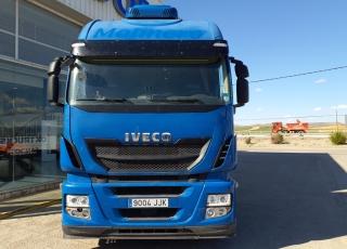 Cabeza tractora IVECO AS440S46TP,  Hi Way,  Euro6,  Automática con intarder,  Del año 2015,  Con 570.016km. Neumáticos 315/70R22.5  Precio 24.900€+IVA, con tractora reacondicionada y con 12 meses de garantía de cadena cinemática.