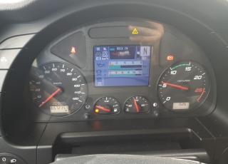 Cabeza tractora IVECO AS440S46TP,  Hi Way,  Euro6,  Automática con intarder,  Del año 2015,  Con 657.235km, Neumáticos 385/55R22.5 y 315/70R22.5,  Precio 17.500€+IVA, SIN garantía.