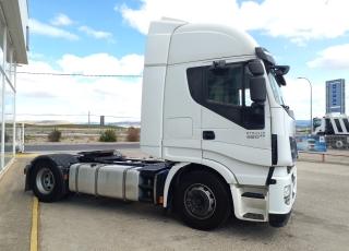 Cabeza tractora IVECO AS440S46TP,  Hi Way,  Euro6,  Automática con intarder,  Del año 2015,  Con 475.642km, Neumáticos 315/70R22.5,  Precio 30.900€+IVA, con tractora reacondicionada.