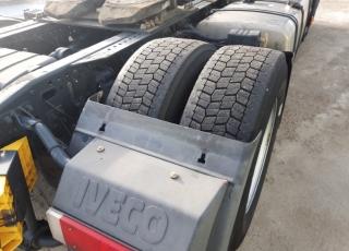 Cabeza tractora IVECO AS440S46TP,  Hi Way,  Euro6,  Automática con intarder,  Del año 2015,  Con 494.612km. Neumáticos 315/60R22.5