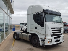Tractor head IVECO AS440S46TP, automatic with retarder, year 2013, with 437.408km.