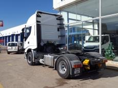Cabeza tractora IVECO AS440S46TP, automática con intarder, del año 2012, con 490.082km, con 12 meses de garantía de cadena cinemática.