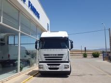 Cabeza tractora IVECO AS440S46TP, automática con intarder, del año 2012, con 462.403km, con 12 meses de garantía de cadena cinemática.