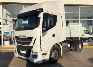 Cabeza tractora - Marca IVECO  - Modelo AS44048TP EVO MY16, Hi Way,  - Automática con intarder,  - Año 2017,  - 385.353km.