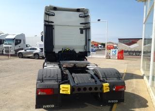 Cabeza tractora IVECO AS440S48TP,  EVO Hi Way,  Euro6,  Automática con intarder,  Del año 2017,  Con 377.388km. Neumáticos 315/70R22.5  Precio 42.500€+IVA, con tractora reacondicionada y con 12 meses de garantía de cadena cinemática.