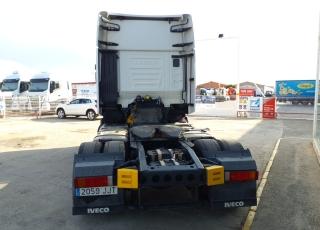 Cabeza tractora IVECO AS440S48TP,  Hi Way,  Euro6,  Automática con intarder,  Del año 2015,  Con 594.103km. Neumáticos 365/55R22.5 y 315/70R22.5  Precio 24.900€+IVA, con tractora reacondicionada y con 12 meses de garantía de cadena cinemática.