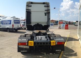 Cabeza tractora IVECO AS440S48TP,  Hi Way,  Euro6,  Automática con intarder,  Del año 2015,  Con 555.929km. Neumáticos 365/55R22.5 y 315/70R22.5  Precio 24.900€+IVA, con tractora reacondicionada y con 12 meses de garantía de cadena cinemática.