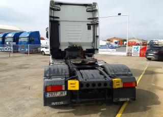 Cabeza tractora IVECO AS440S48TP,  Hi Way,  Euro6,  Automática con intarder,  Del año 2015,  Con 488.274km, Neumáticos 315/70R22.5,  Precio 25.900€+IVA, con tractora reacondicionada y con 12 meses de garantía de cadena cinemática.