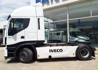 Cabeza tractora IVECO AS440S48TP,  Hi Way,  Euro6,  Automática con intarder,  Del año 2015,  Con 526.493km, Neumáticos 385/55R22.5 y 315/70R22.5,  Precio 24.900€+IVA, con tractora reacondicionada y con 12 meses de garantía de cadena cinemática.