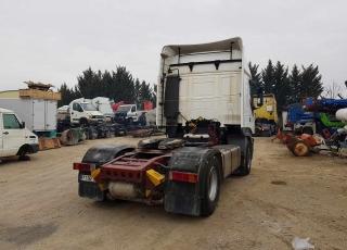 Cabeza tractora de ocasión IVECO STRALIS AS440S48TP, automática con intarder, 1.358.152km del año 2003.