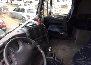 Cabeza tractora de ocasión IVECO STRALIS AS440S48TP, automática con intarder, 1.228.724km del año 2003.
