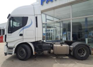 Cabeza tractora  Marca IVECO  Modelo AS440S50TP, Cambio automática con intarder,  Año 2014,  Con 952.610km.  Precio 11.000€+IVA, SIN garantía.