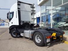 Cabeza tractora IVECO AS440S50TP Hi Way, automática con intarder, del año 2013, con 492.267km, con 12 meses de garantía de cadena cinemática.