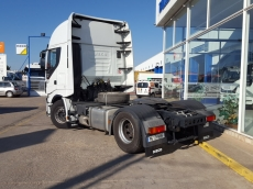 Cabeza tractora IVECO AS440S50TP Hi Way, automática con intarder, del año 2014, con 448.878km, con 12 meses de garantía de cadena cinemática.