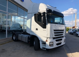 Tractor head IVECO STRALIS AS440S50TP, automatic, 1.078.361km, year 2009.