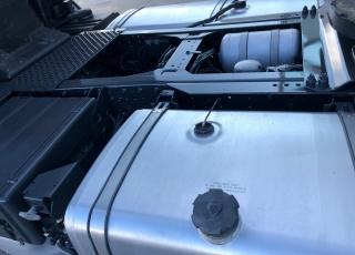 Cabeza tractora de ocasión IVECO STRALIS AS440S50TP, automática, 1.078.361km del año 2009.