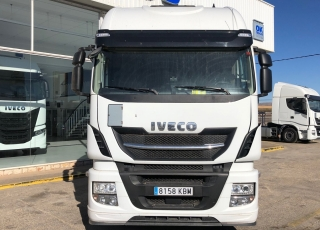 Cabeza tractora  IVECO AS440S51TP EVO MY16, Hi Way,  automática con intarder,  del año 2017,  con 520.252km.