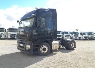 Cabeza tractora IVECO AS440S56TP,  Hi Way,  Euro6,  Automática con intarder,  Del año 2015,  Con 636.980km, Neumáticos 315/80R22.5,