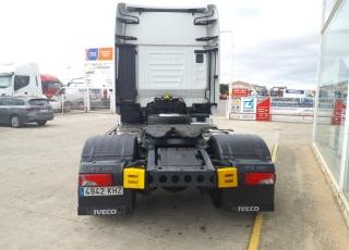 Cabeza tractora IVECO AS440S57TP,  EVO Hi Way,  Euro6,  Automática con intarder,  Del año 2018,  Con 447.448km. Neumáticos 385/55R22.5 y 315/70R22.5  Precio 47.000€+IVA, con tractora reacondicionada y con 12 meses de garantía de cadena cinemática.