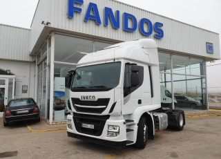 Tractor head  IVECO  AT440S46TP Hi Road EVO Euro6,  automatic with retarder,  year 2017,  with 494.195km.