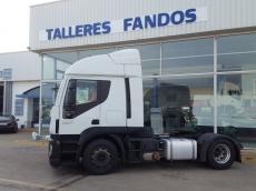 Cabeza tractora IVECO Hi Road AT440S46T/P, automática con intarder, del año 2013, con 487.540km, con 12 meses de garantía de cadena cinemática.