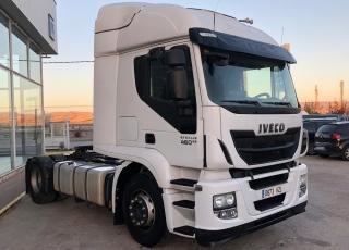 Cabeza tractora IVECO AT440S46TP Euro6, automática con intarder, del año 2014, solo 540.264km. Con equipo hidraulico. Con 12 meses de garantia de cadena cinematica.