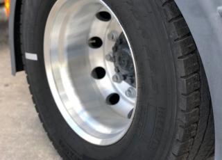 Tractora seminueva de Febrero 2019 IVECO AT440S46T/P HR EVO Automática con intarder. OPCIONALES: AIRE ACONDICIONADO LLANTAS ALUMINIO RUEDAS 315/70R22.5 IVECONNECT FAROS DELANTEROS LED PILOTOS TRASEROS LED